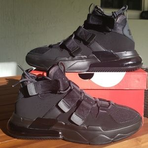 Nike Air Edge 270 'Triple Black'